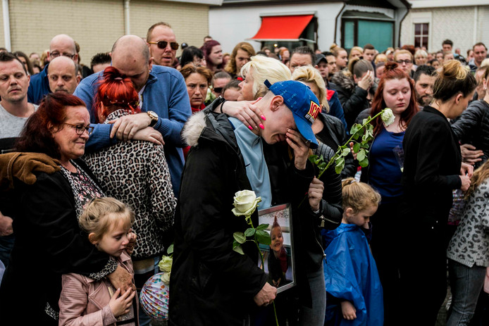 Grote verslagenheid tijdens de stille tocht voor de overleden Inke uit Arnhem.