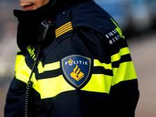 Politie Delfshaven controleert brommers na klachten buurtbewoners