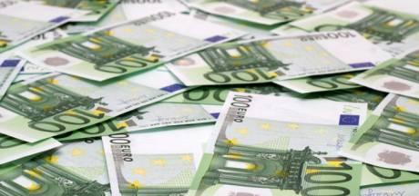 La police italienne interpelle un homme avec 1 million d'euros à bord de sa voiture