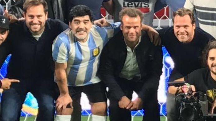 Folkert van der Heide met Diego Maradona.