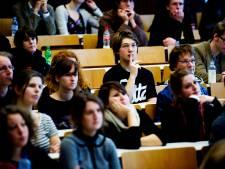 De school is niet alleen een plek waar les wordt gegeven, het is ook waar ik contact zoek met anderen
