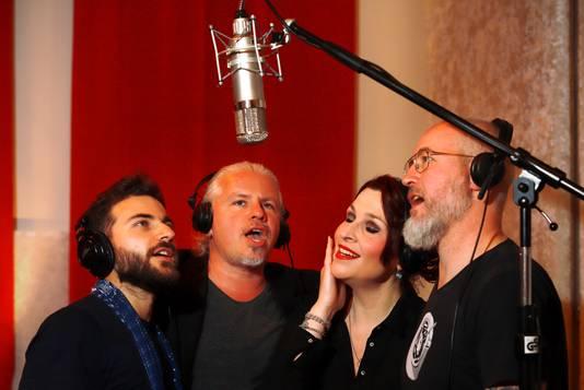 De componisten van 'De Brug' tijdens de opnamen in Sound Vision Studio. Vlnr: Wasim Arslan, Arjan Amin, Elles Springs en Mark de Grauw.