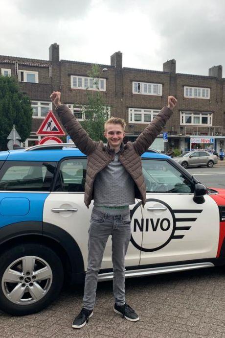 Daan uit Nijmegen dubbel geslaagd: 'Hij was extreem zenuwachtig'