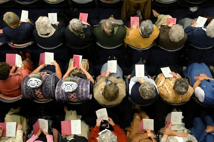 """AALSMEER - De Bond van Christelijke Gereformeerde Vrouwenverenigingen hield gisteren voor de 57e keer een bondsdag. Thema van de dag was """"Kies dan het leven"""".  Biblebelt"""
