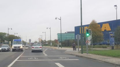 Veertien jaar fileleed op Bergensesteenweg lijkt voorbij dankzij extra rijstrook aan Ikea