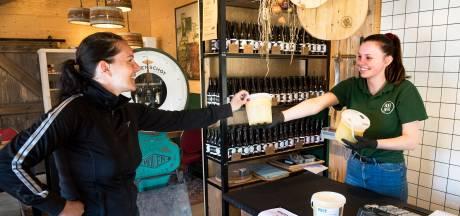 Boerderijwinkels in het Groene Hart doen goede zaken: 'Mensen zoeken lokaal voedsel. Dat is veilig en vertrouwd'