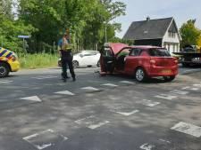 Twee gewonden en flinke file bij aanrijding in Usselo