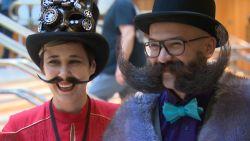 Mannen én vrouwen doen mee aan  Wereldkampioenschap Snorren en Baarden in Antwerpen