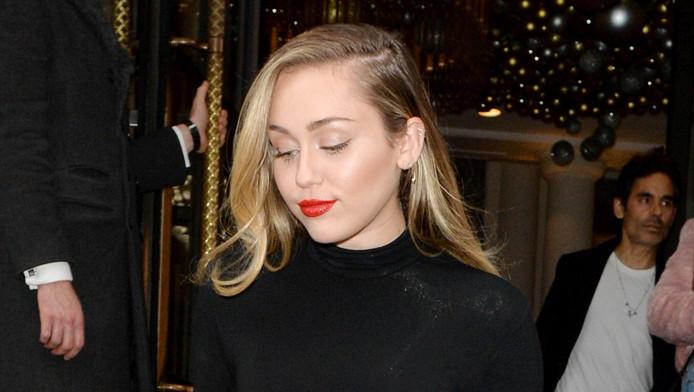 Miley Cyrus a récemment perdu sa maison dans une incendie