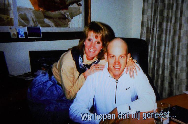 Lance Armstrong en zijn moeder, jaren negentig. Beeld