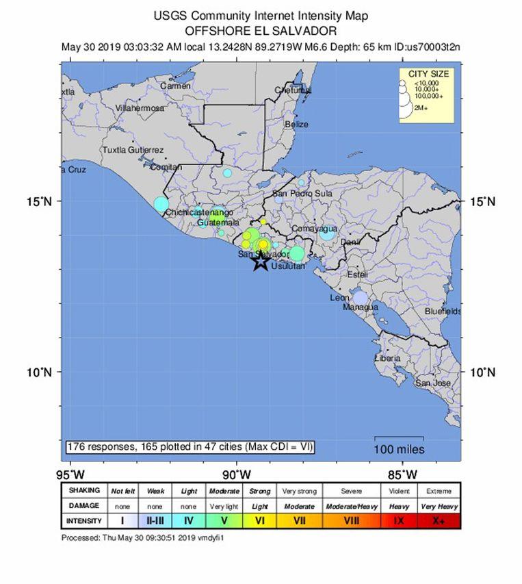 Volgens het Amerikaanse geologische instituut USGS had de beving voor de kust van El Salvador een magnitude van 6,6.