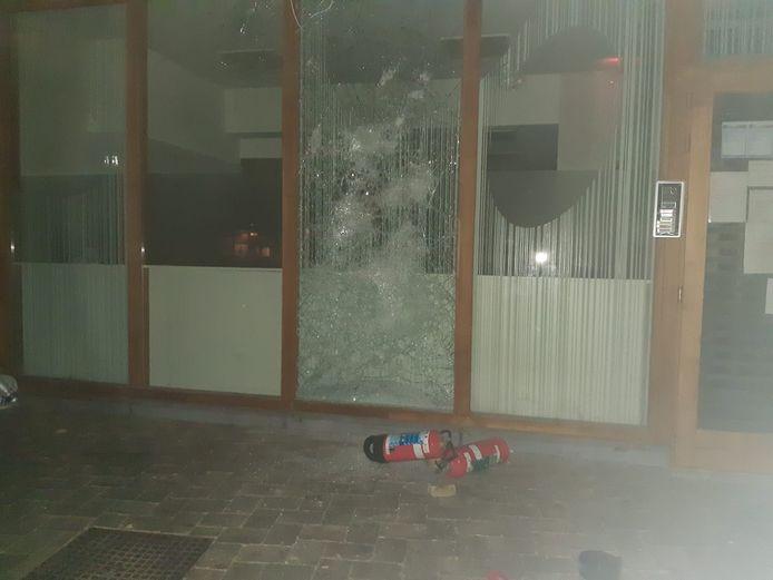 Het raam bij kribbe Nieuwkinderland werd ingeslagen.