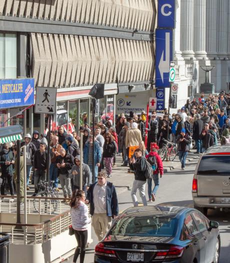 In beeld: honderden mensen in de rij voor eerste legale cannabis in Canada