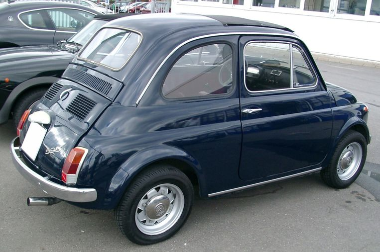 Auto: Fiat 500.'Al mijn vrienden hadden er een, we hebben er wilde dingen mee gedaan.' Beeld .