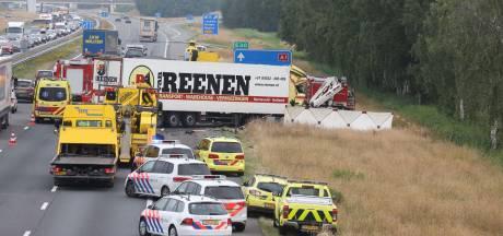 Dode bij ongeval op A1 bij Holten, snelweg weer open