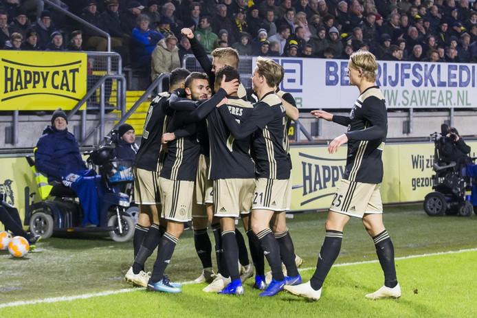 Feest na de 0-2 bij Ajax.