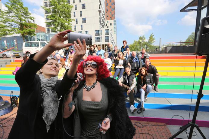 Zoetermeer werd in 2011 een zogenaamde Regenboogstad, waarvan er in Nederland inmiddels 48 zijn. De gemeente plaatste als teken van tolerantie in 2016 een regenboogtrap bij station Centrum West.