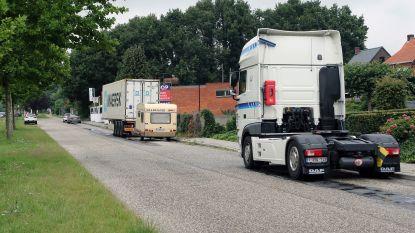 Zware vrachtwagens mogen niet meer op Oud-Strijderslaan parkeren