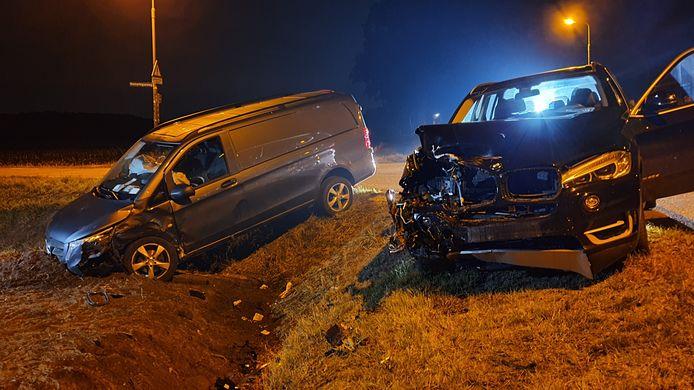 De twee betrokken voertuigen.