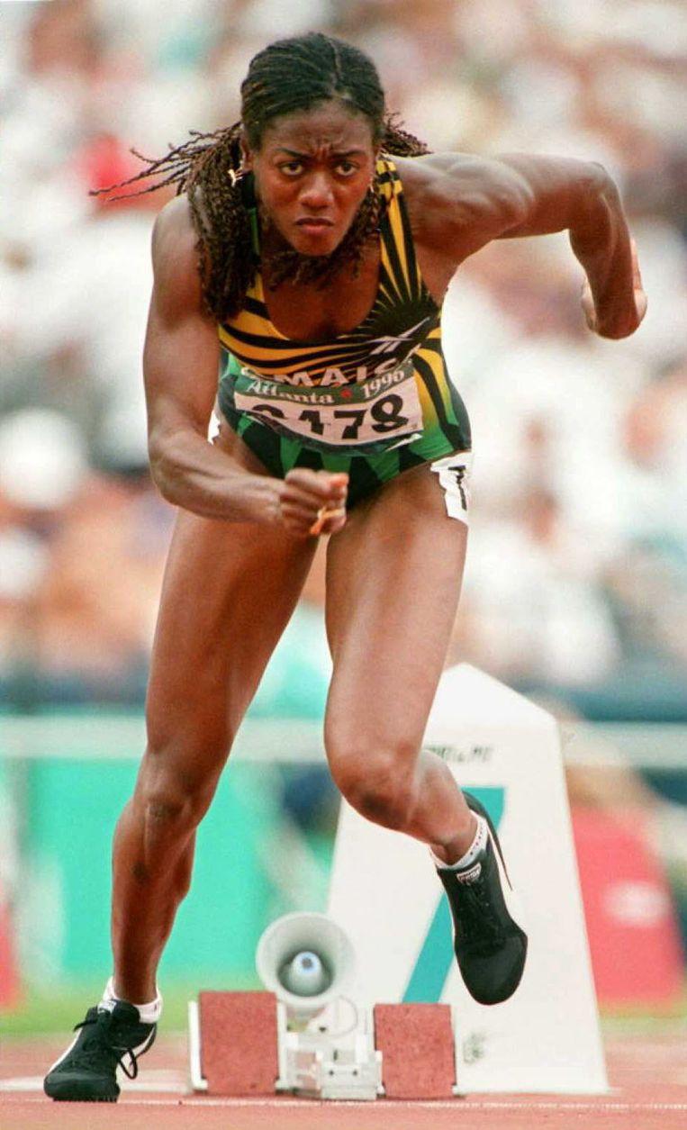 Merlene Ottey op de 200 meter bij de Spelen van Atlanta in 1996. Beeld Daniel Garcia / AFP