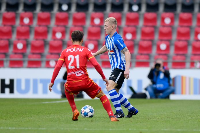 17-10-2020: Voetbal: Go Ahead Eagles v FC Eindhoven: Deventer Bradly van Hoeven of Go Ahead Eagles, Valentino Vermeulen of FC Eindhoven