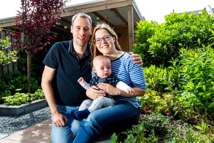 Tamara en Rick met kleine Hugo.
