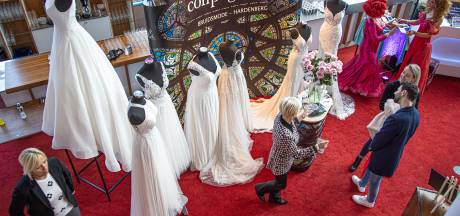 Drukte bij trouwbeurs in Zwolle: Ja, ik wil, maar wel volgend jaar