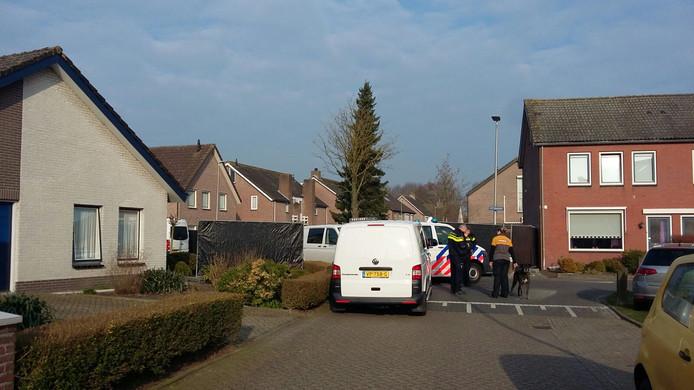 Het politie-onderzoek in Wernhout, maart vorig jaar.