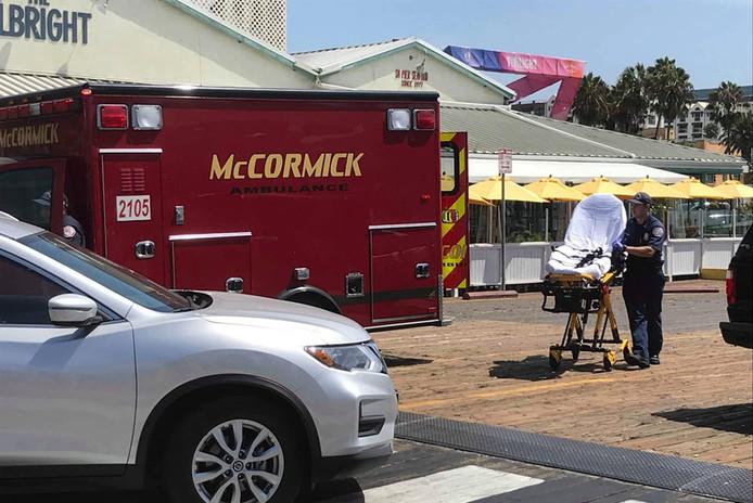 Peter a été emmené en ambulance après avoir souffert de vertiges alors qu'il se promenait sur le Pier de Santa Monica.
