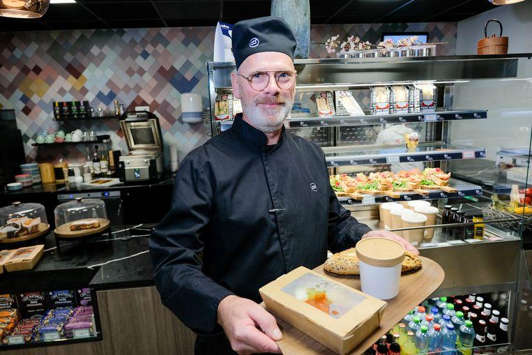 Om voedselverspilling tegen te gaan, plaatst ISS de maaltijden die niet verkocht werden in het bedrijfsrestaurant van Greenhouse Brussels in een app.