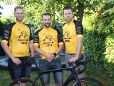 Alle drie verloren ze hun zoon: noodlotgenoten fietsen 500 kilometer
