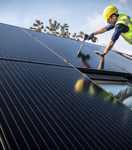 Tilburg trekt 10 miljoen euro uit voor meer zonnepanelen op daken, óók bij eigenaren met een kleine beurs