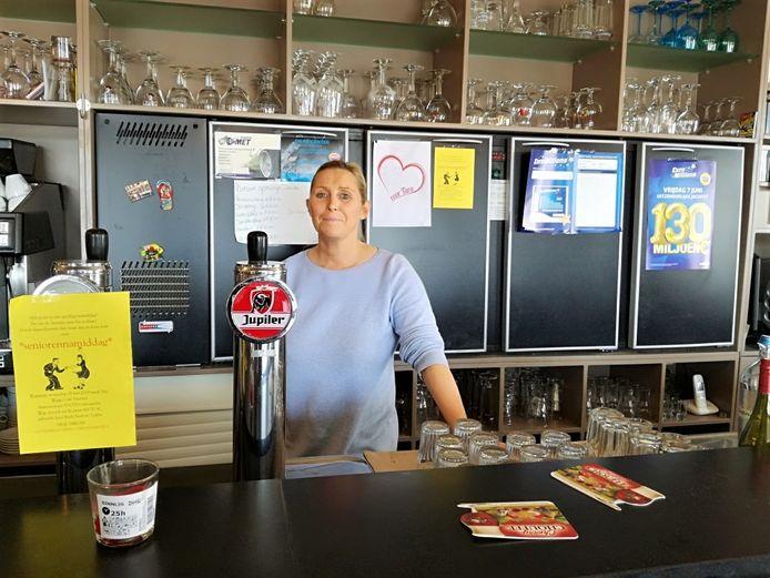 Silvia nodigt alle senioren uit in haar café Paulana.