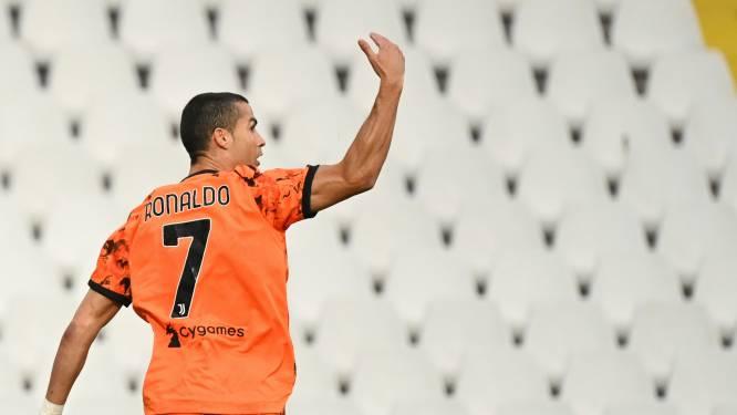 Comeback in stijl: van corona verloste Ronaldo valt in en scoort twee keer (waaronder een heerlijke panenka)