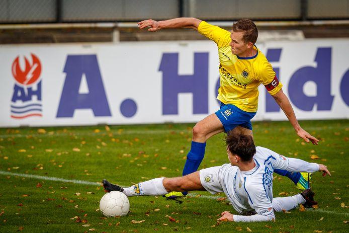 Martijn Brakke was bij zijn terugkeer in de basiself succesvol voor Staphorst. Maar die treffer viel in het niet bij de fouten in de verdediging.