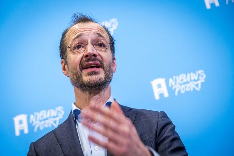 Eric Wiebes bij de presentatie van het ontwerp-klimaatakkoord om Nederland duurzamer te maken.   Beeld ANP