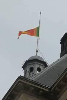 Vlag halfstok vanwege terreuraanslagen Sri Lanka