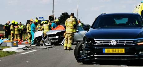 Ernstig ongeval Zevenaarseweg in Angerlo: weg geheel afgesloten