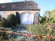 Gasexplosie bij woonboerderij in Beek en Donk, twee mensen naar ziekenhuis