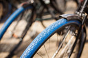 Je herkent een Swapfiets direct aan die typische blauwe voorband