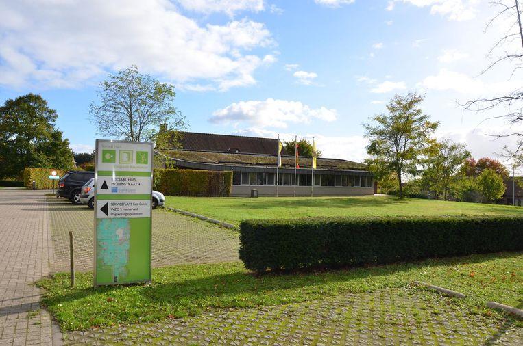 Het huidige Sociaal Huis zou omgevormd worden tot een dagverzorgingscentrum.