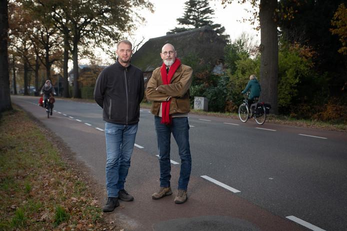Elo Jansen van De Oude Tol en Leo Gensen van het Oude Bijenhuis op de Grintweg: ,,Het wordt niet veiliger voor fietsers.''
