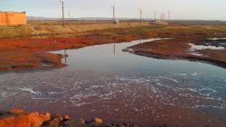 Gigantisch diesellek in noordpoolgebied: brandstof bereikt zoetwatermeer