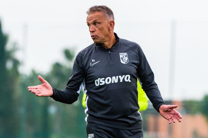 Edward Sturing, als coach van Vitesse op het trainingskamp deze winter in Portugal.