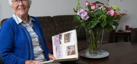 Annie zag de handen uit wagons van goederentreinen naar Duitsland: 'Van Auschwitz hadden we nog nooit gehoord'