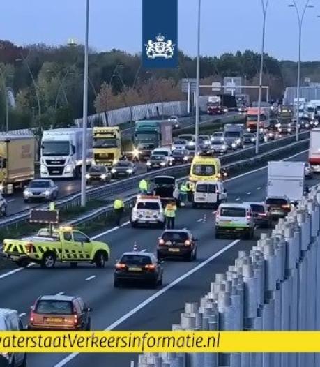 A2 bij Eindhoven is weer open na botsing, vertraging lost op