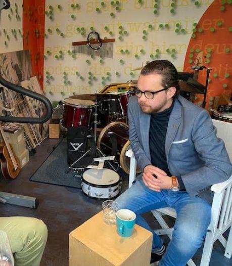 Daan de Kort uit Veldhoven ziet slecht en maakt er een podcast over: 'Het moet gewoon goed klinken'
