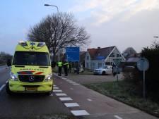 Scooterrijdster lichtgewond na botsing bij 's-Heer Hendrikskinderen