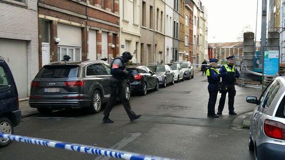 De politie kamde de straten uit na de granaataanslagen