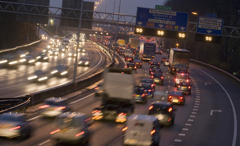 Auto's worden hoger en zwaarder waardoor de gemiddeld CO2-uitstoot niet daalt.